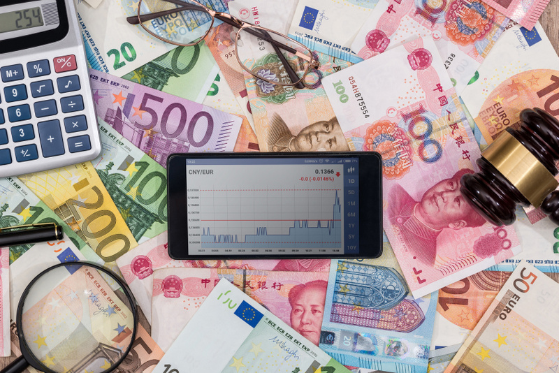 exchange rate on the phone with the euro and the yuan.